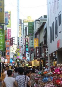 様々な店が並ぶソウルの明洞(ミョンドン)だが、老舗はほとんどない