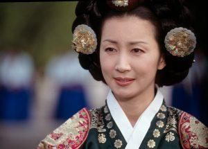 『女人天下』で文定王后を演じたチョン・インファ