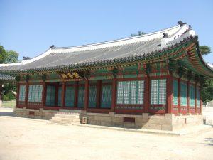 中宗が世を去った昌慶宮の歓慶殿。ここで仁宗は自分の身体を悪くするくらいに中宗を看病した